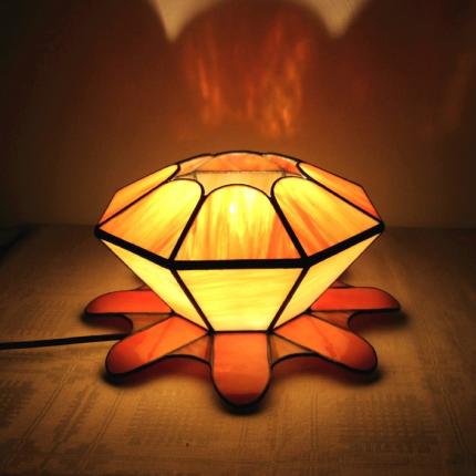 Lampada da tavolo floreale