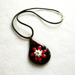 Collana con pendente nero con gocce rosse e murrina