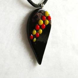 Ciondolo nero con gocce gialle rosse