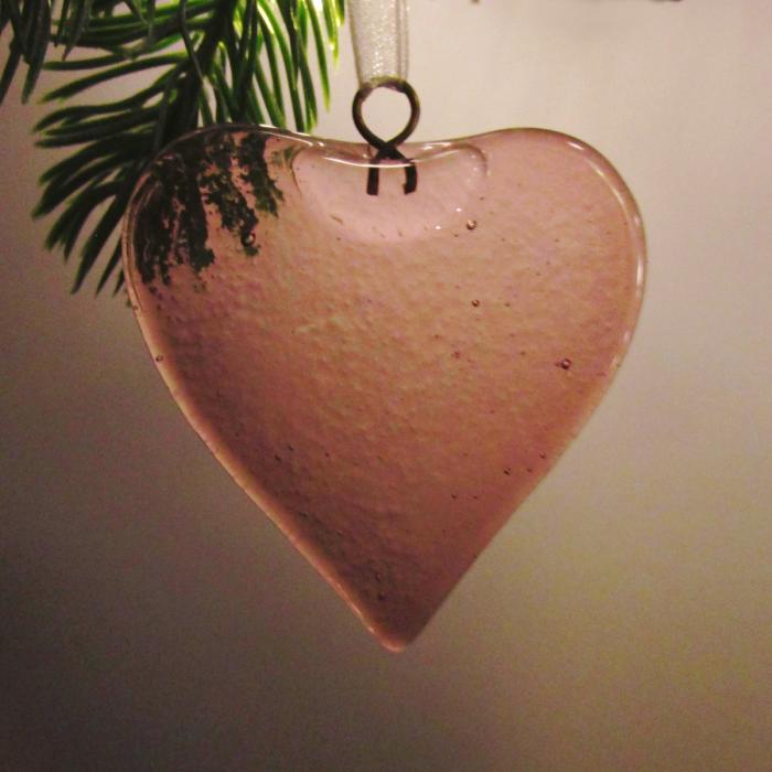 Decorazione a forma di cuore rosa ciclamino
