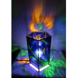 Lampada da tavolo pentagonale blu