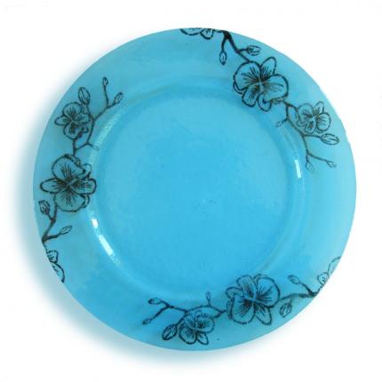 Piatto azzurro con fiori